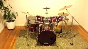 Vintage Yamaha Recording Custom drum kit