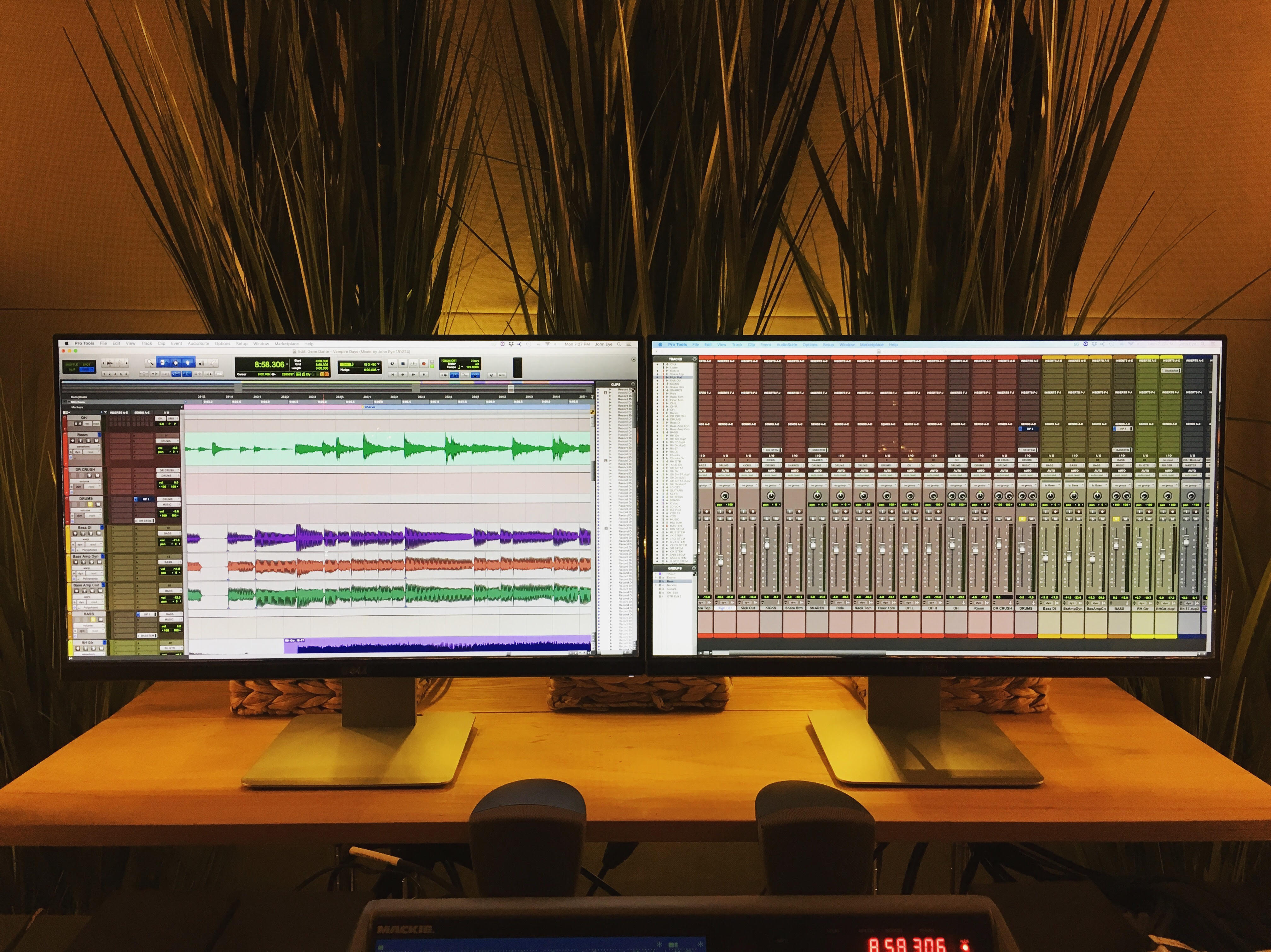 Studio Gear - JOHN EYE PRODUCTIONS / BEACH HOUSE STUDIOS