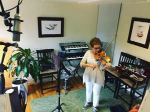 Sheila Fiekowsky playing violin